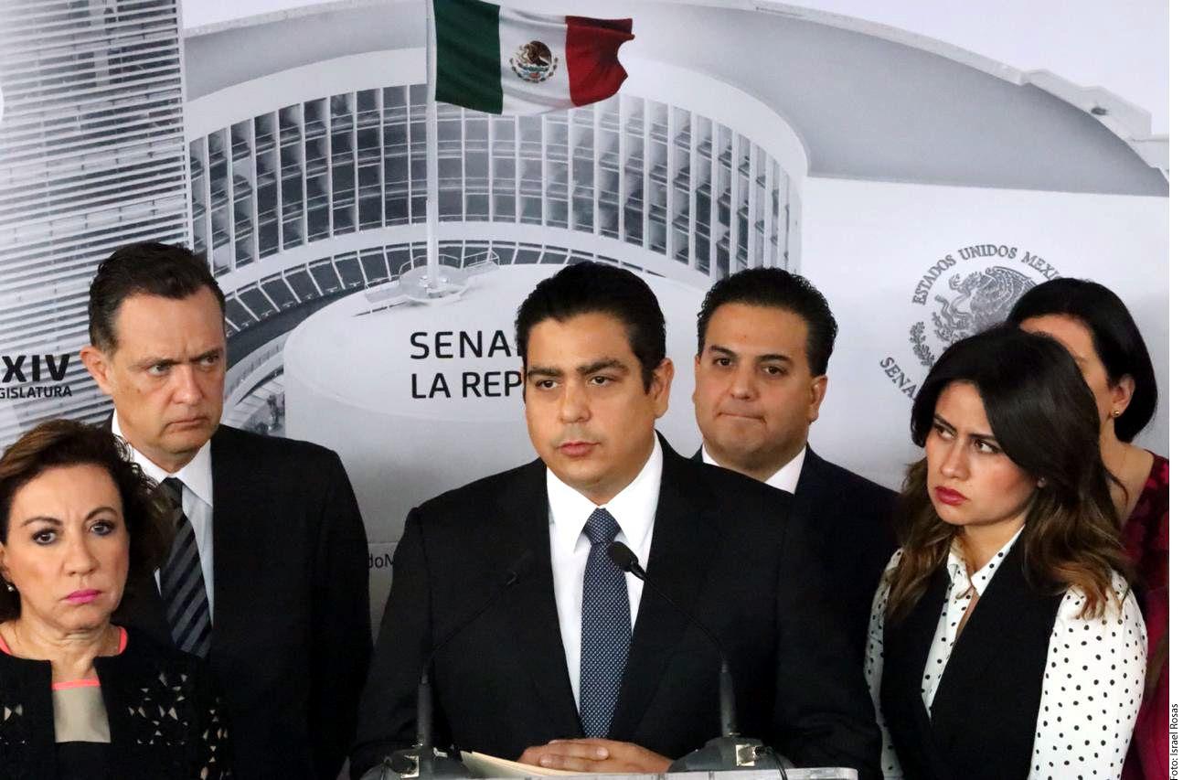 El senador Ismael García Cabeza de Vaca (centro), exhibido en un chat, agradeció consejos y reproches por su actitud y ofreció defender a mujeres./ AGENCIA REFORMA