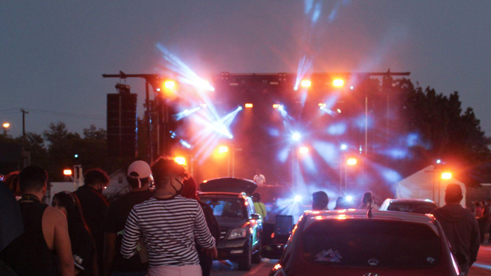 Onstage Systems organizó conciertos tipo drive-in en Fair Park durante la pandemia y la idea tuvo un efecto multiplicador ya que ayudó a otros a generar o mantener empleos.