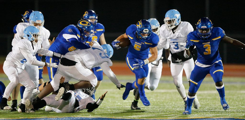 Community High running back Tyson Neighbors (5) breaks away for a long touchdown run during the fourth quarter against Dallas Roosevelt at Community ISD Stadium in Nevada, Texas, Friday, November 8, 2019. Community defeated Roosevelt to advance to the playoffs. (Tom Fox/The Dallas Morning News)