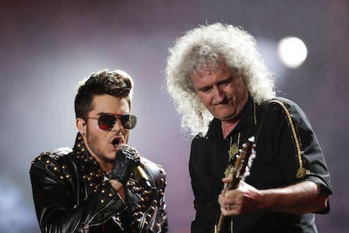 El vocalista Adam Lambert y Brian May, fundador del grupo Queen. AP