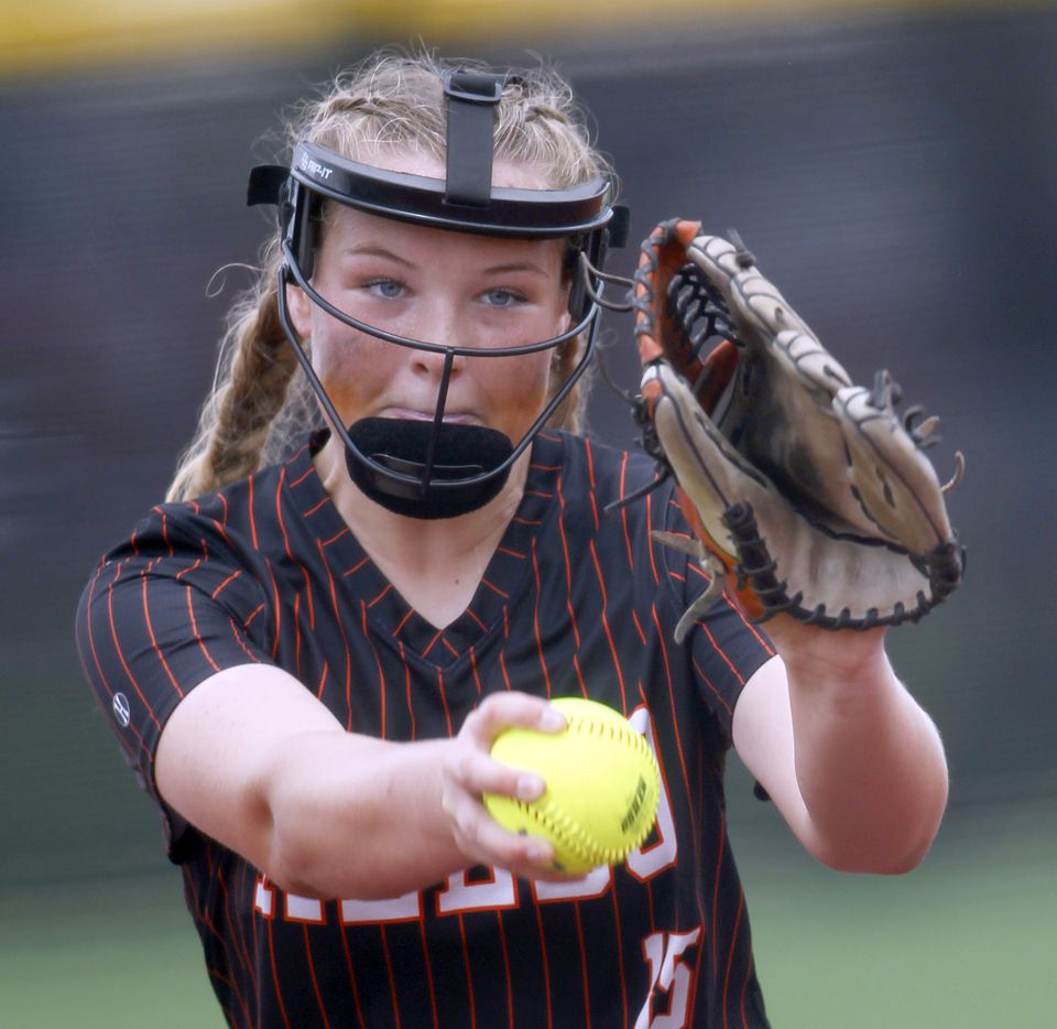 Aledo pitcher Kayleigh Smith (15) delivers a pitch to a Georgetown batter in the bottom of the 4th inning of play. The two teams played their UIL 5A state softball semifinal game at Leander Glenn High School in Leander on June 4, 2021. (Steve Hamm/ Special Contributor)