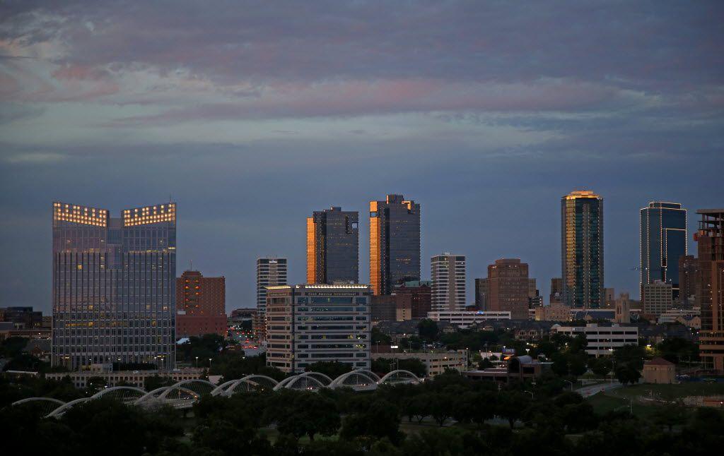 La fecha límite para aplicar a la ayuda de la Cámara de Comercio de Fort Worth es el 24 de julio