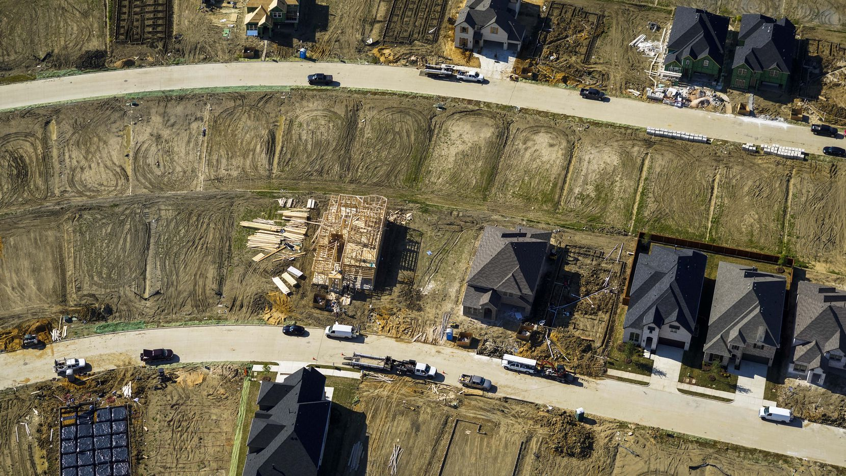 An aerial view of new home construction in the South Haven community in Irving.