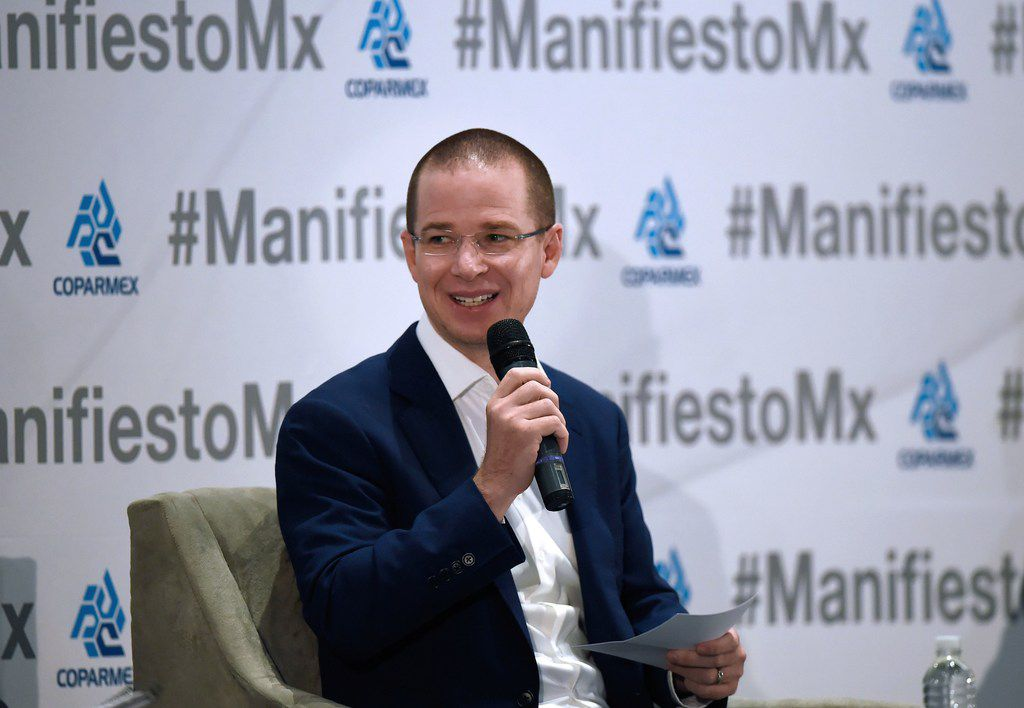 "Mexico's presidential candidate Ricardo Anaya, standing for the ""Mexico al Frente"" coalition of the PAN-PRD parties, speaks during a meeting with business leaders of the Employers Confederation of the Mexican Republic (Coparmex) at the Hilton Hotel in Mexico City on May 16, 2018. Mexico's presidential candidates are meeting leaders of Coparmex ahead of the July 1 election. / AFP PHOTO / Alfredo ESTRELLAALFREDO ESTRELLA/AFP/Getty Images"