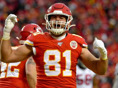 KANSAS CITY, MISSOURI - JANUARY 12:  Blake Bell #81 of the Kansas City Chiefs celebrates after scoring a touchdown in the fourth quarter of the AFC Divisional playoff game against the Houston Texans at Arrowhead Stadium on January 12, 2020 in Kansas City, Missouri. (Photo by Peter Aiken/Getty Images)
