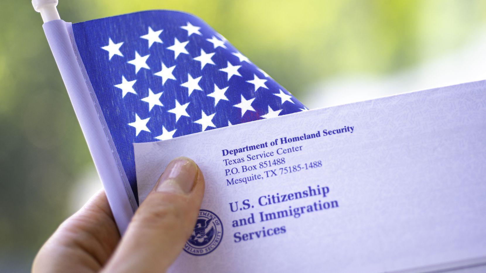 De aprobarse la reforma migratoria del presidente Joe Biden en el Congreso, las personas ya no recibirían castigos de tres o 10 años por haber estado ilegalmente en Estados Unidos.