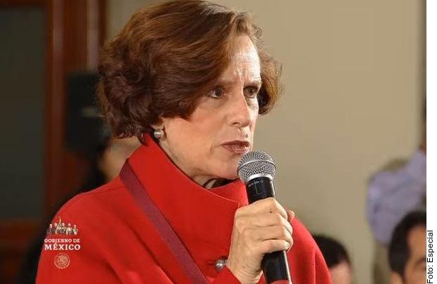 La periodista Denise Dresser cuestionó al Presidente sobre borradores de la FGR para criminalizar la difamación.