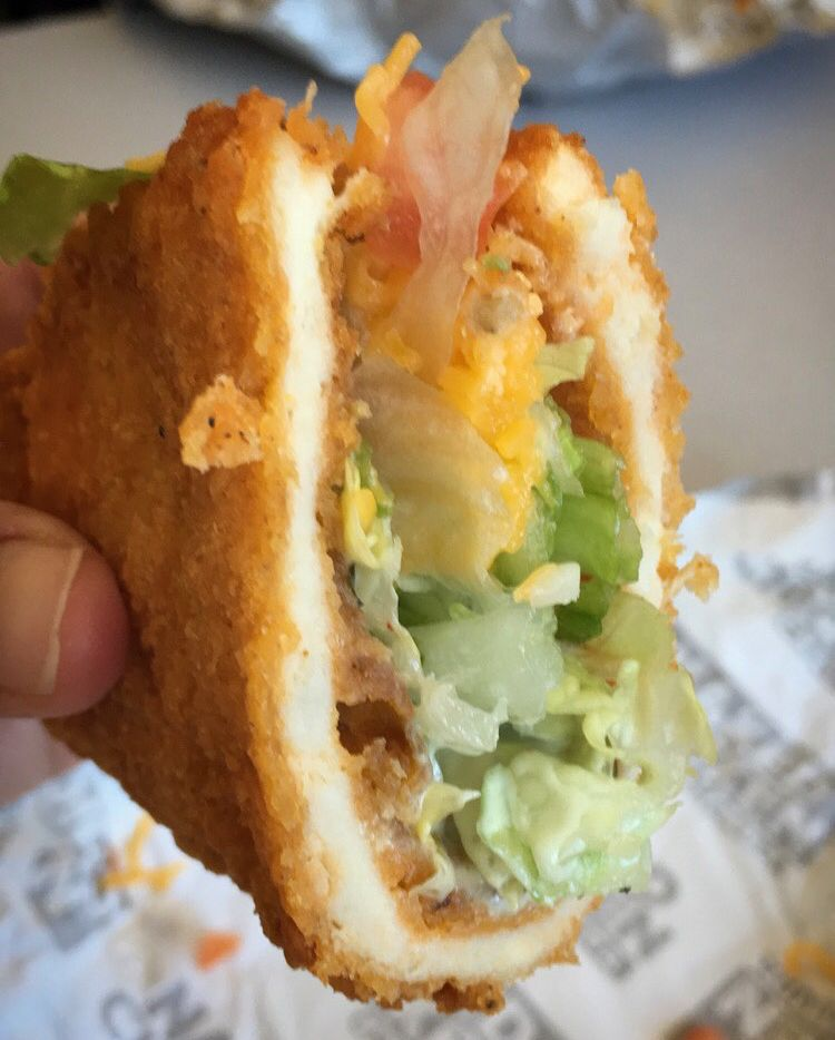 FAST FOOD NEWS: Taco Bell Naked Chicken Chalupa - The