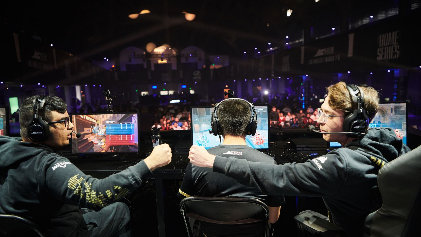 Dallas Empire teammates congratulate each other at the Call of Duty League home series event in Los Angeles, March 8, 2020. Photo: Call of Duty League™