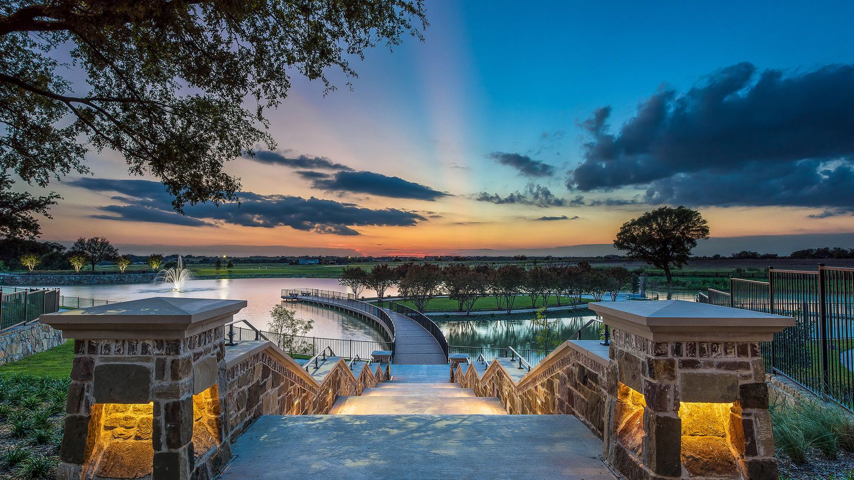 The award-winning Mustang Lakes community in Celina is surrounded by lakes and green spaces, trails and panoramic views.