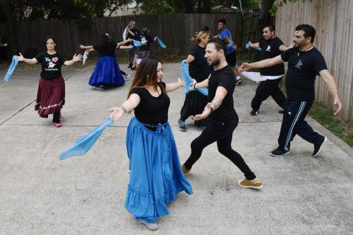 Florencia Barahona bailando. Foto BEN TORRES/Especial para AL DÍA