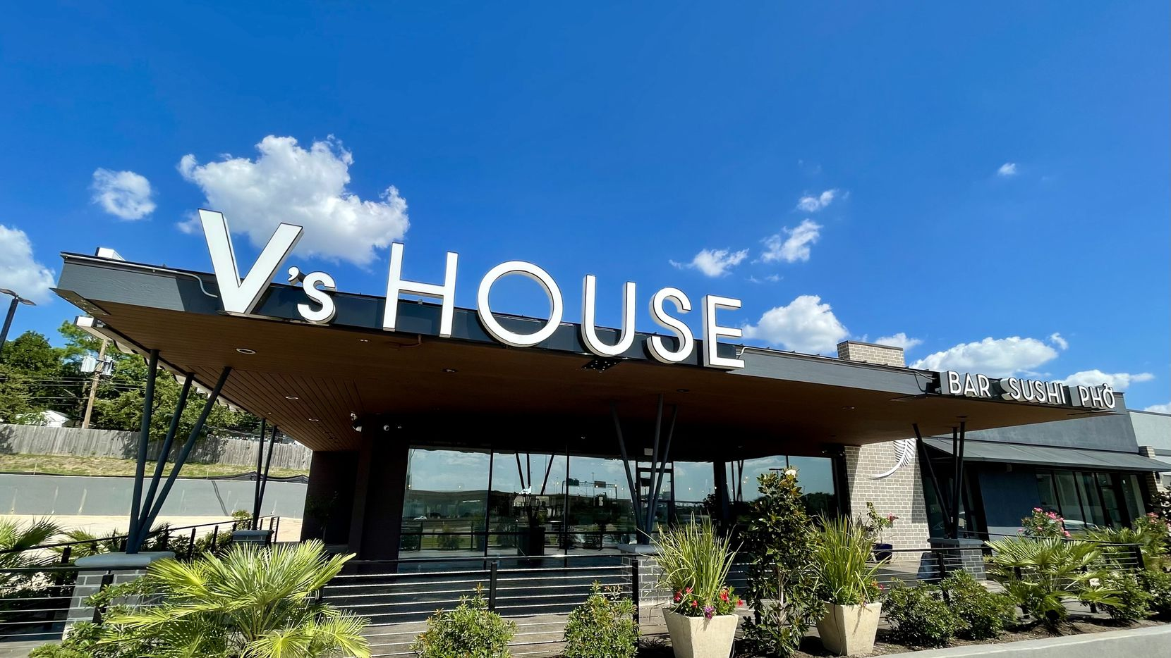 V's House is slated to open this fall in North Richland Hills. The 5,000-square-foot restaurant will have a patio and serve alcohol.
