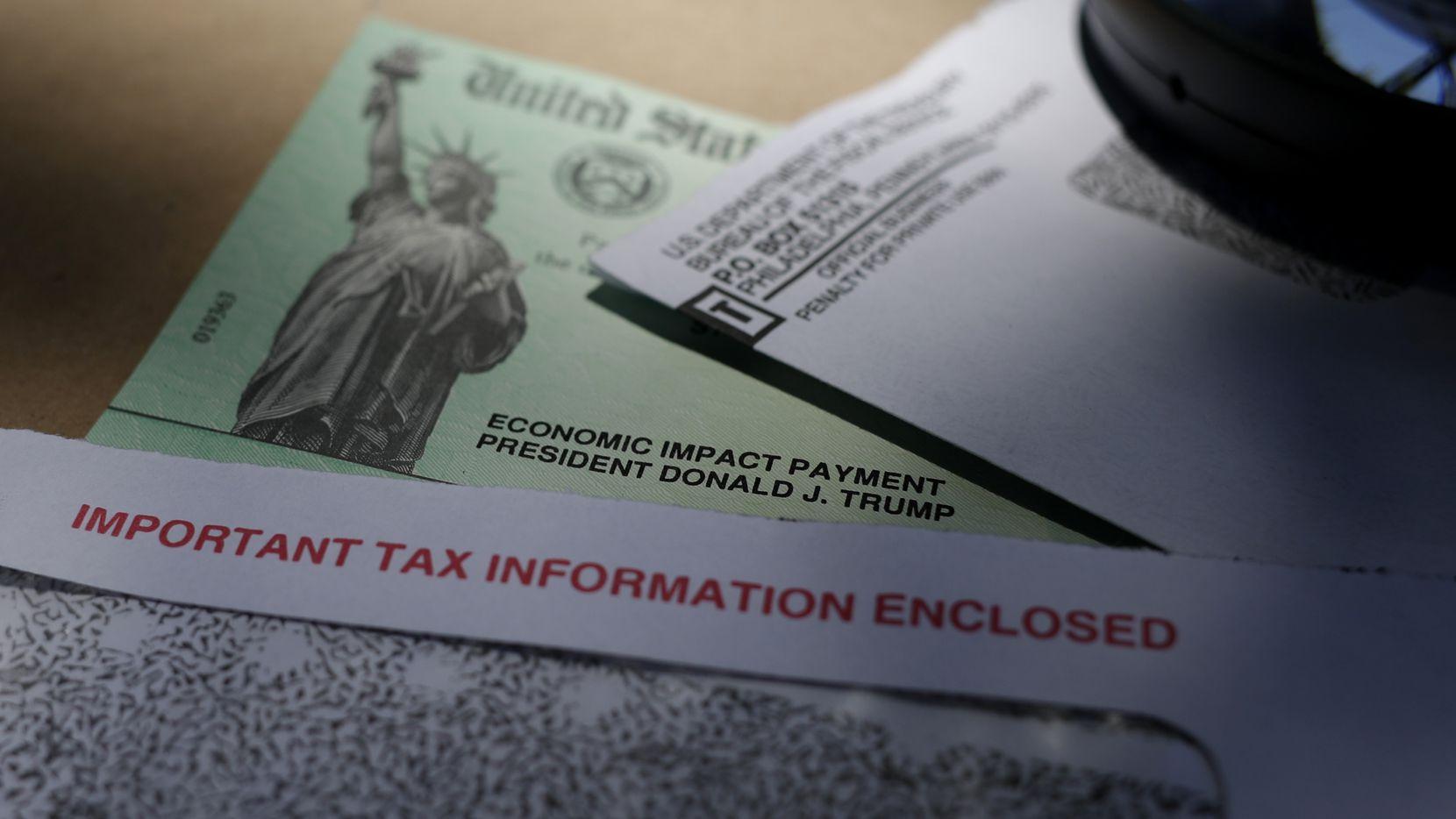 Un cheque del paquete de estímulo económico aprobado en abril de 2020 por el congreso de Estados Unidos.