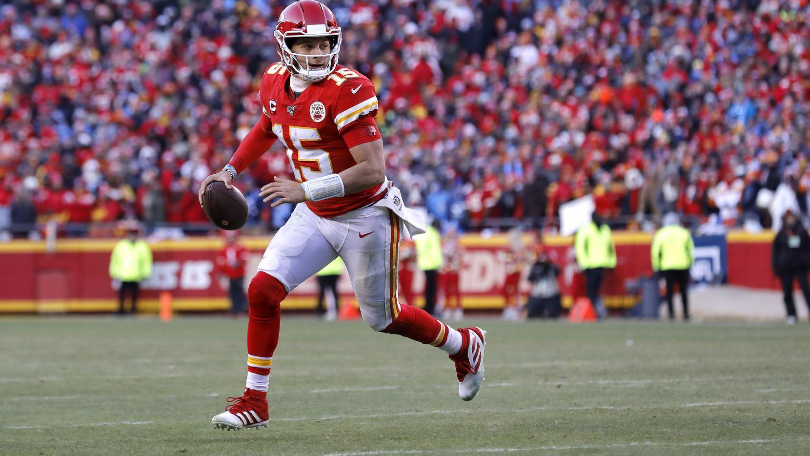 El mariscal de los Chiefs de Kansas City, Patrick Mahomes, solo sufrió cinco pases interceptados toda la temporada pasada.