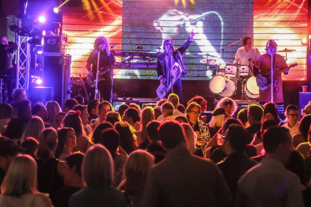 The Molly Ringwalds headlined the #TBT to the '80s party on Thursday at the Rustic.