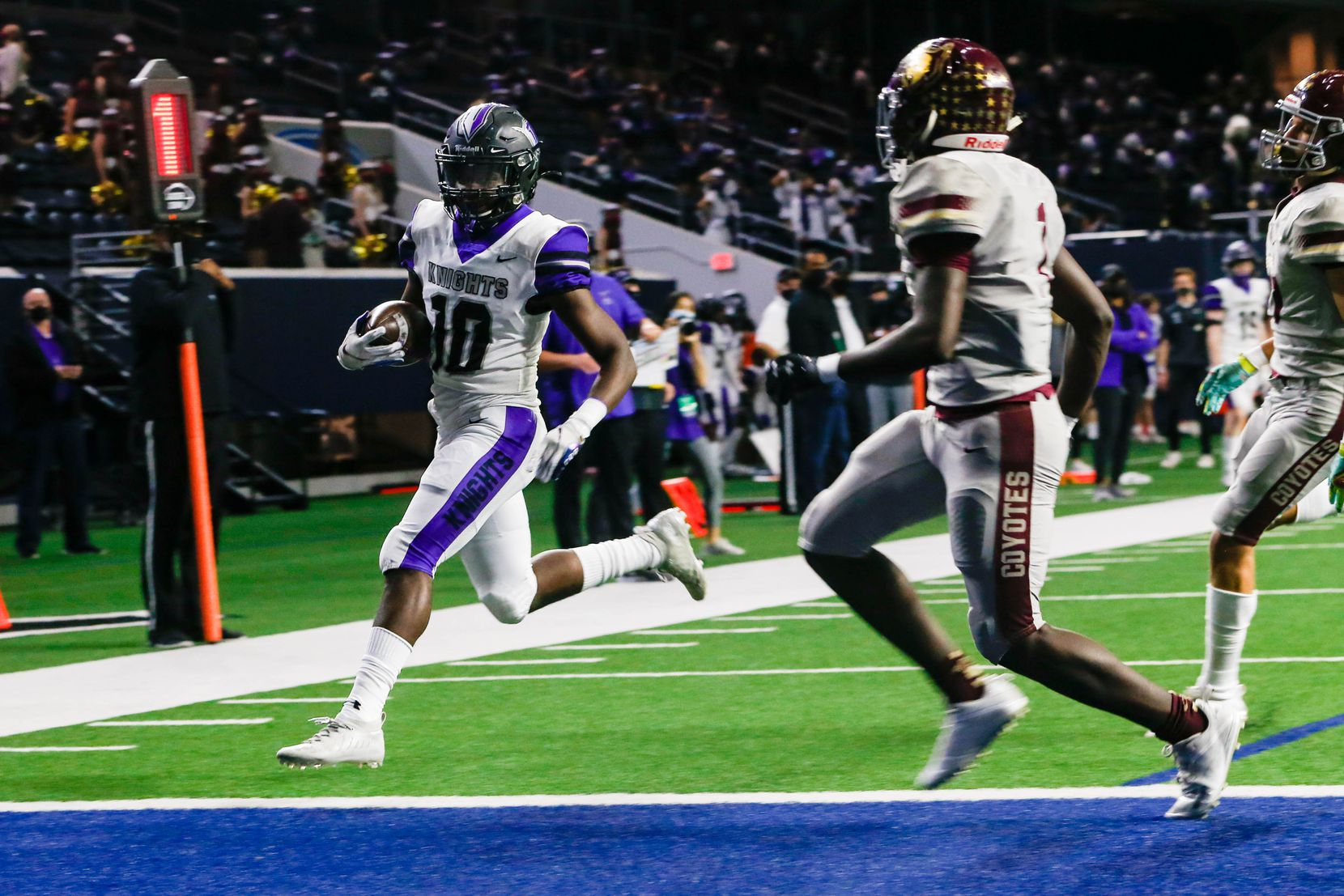 Frisco Independence running back Jaedon Orr (10) runs the ball in for a touchdown during the first half against Frisco Heritage at the Ford Center at the Star in Frisco on Thursday, Dec. 3, 2020. (Juan Figueroa/ The Dallas Morning News)