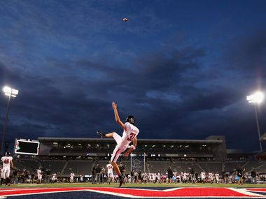 TUCSON, ARIZONA - SEPTEMBER 14:  Place kicker Austin McNamara #31 of the Texas Tech Red Raiders practices his kicks before the start of the NCAAF game against the Arizona Wildcats at Arizona Stadium on September 14, 2019 in Tucson, Arizona. (Photo by Christian Petersen/Getty Images)