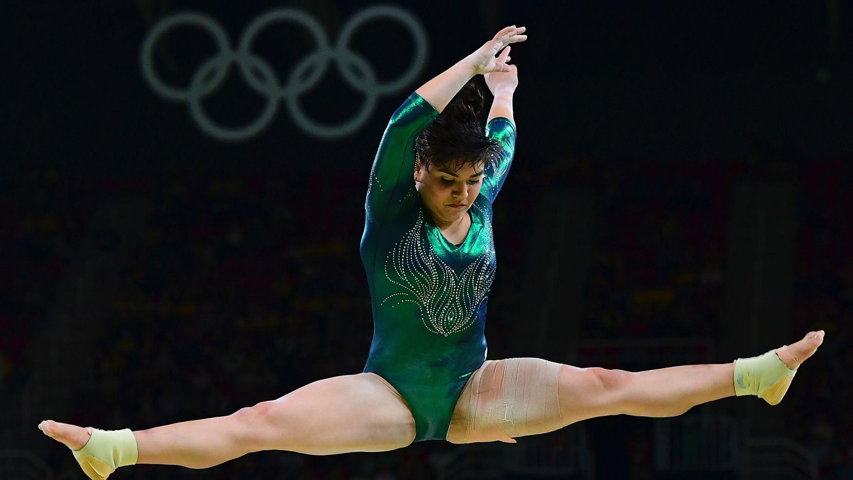 La gimnasta mexicana Alexa Moreno durante una de sus rutinas en los Juegos Olímpicos de Río de Janeiro, Brasil, el 7 de agosto de 2016.