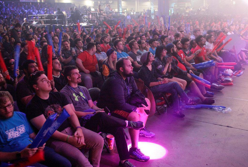 ATLANTA, GA - NOVEMBER 18: Gaming fans watch the action during DreamHack Atlanta 2018 at the Georgia World Congress Center on November 18, 2018 in Atlanta, Georgia.