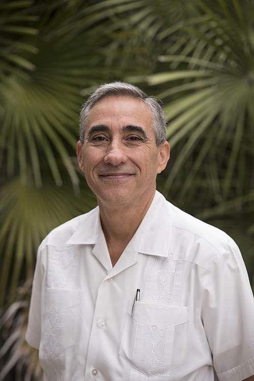 Retired Texas history professor Frank de la Teja.