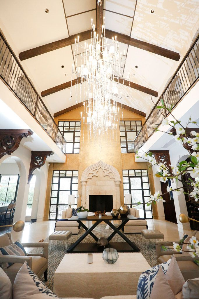 There's no longer a pool in Stephanie and Travis Hollman's living room.