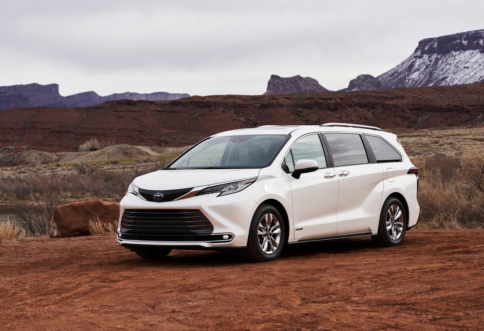 With built-in Wi-Fi, Apple CarPlay compatibility, dynamic navigation and much more, the Toyota Sienna is loaded with technology that once was only a vision of the future.