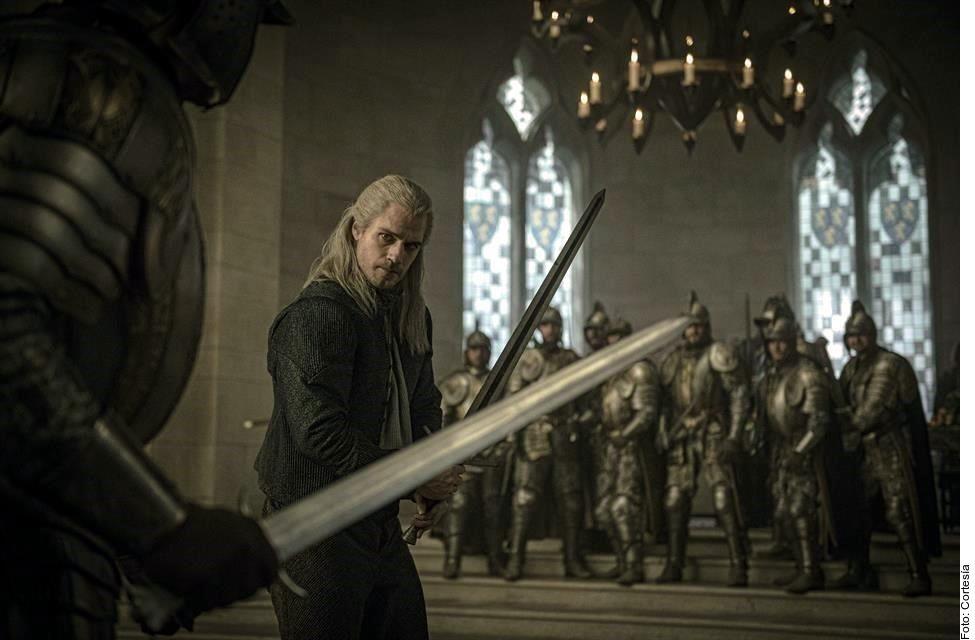 La saga de Andrzej Sapkowski -en la que está inspirada la serie y videojuego- indica que Geralt la lleva a Kaer Morhen, en donde es entrenada por varios magos y finalmente ruge a sus anchas.