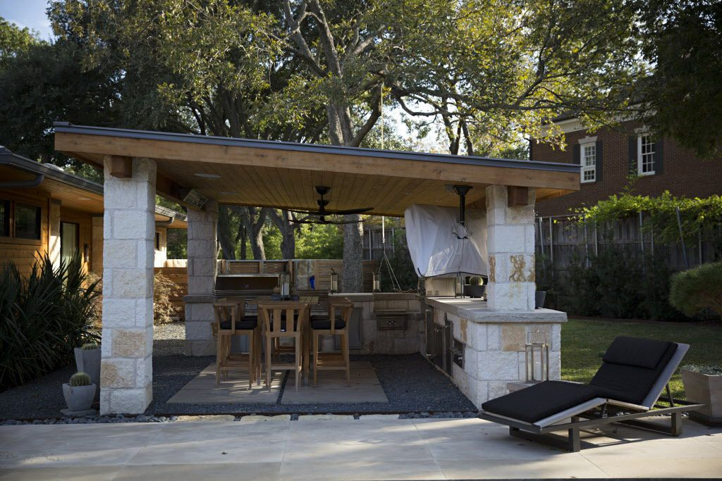 The outdoor cooking area at chef Kent Rathbun's home Wednesday, November 11, 2015 in Dallas. (G.J. McCarthy/The Dallas Morning News)