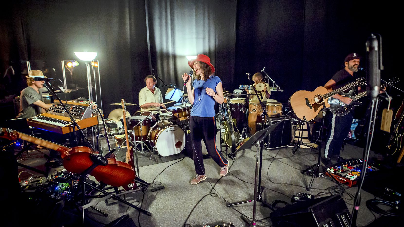 """Edie Brickell and New Bohemians rehearse for an upcoming tour in support of their first new album in 12 years, """"Rocket."""" //permission secured from publicist Julia Casey, Julia.Casey@umusic.com, on 10/01/18//"""