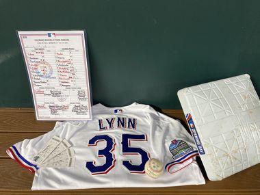 Los Rangers donaron al Salón de la Fama del beisbol el jersey que utilizó el pitcher abridor del equipo de Texas, Lance Lynn, en el juego inaugural del Globe Life Field ante los Rockies de Colorado. El club también cedió la pelota del primer lanzamiento en el estadio, la almohadilla de una de las bases y boletos que no se utilizaron para El Día Inaugural de temporada del 31 de marzo. La tarjeta de alineaciones de ambos equipos no fue parte de la donación.