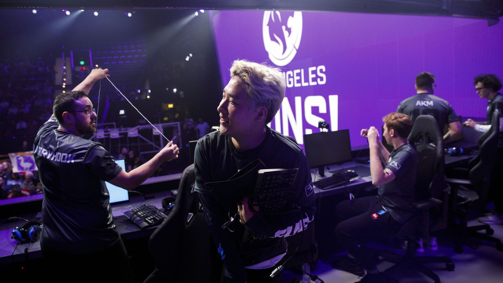"""Son """"OGE Min-seok has been traded to the Los Angeles Gladiators for Jang """"Decay"""" Gui-un."""