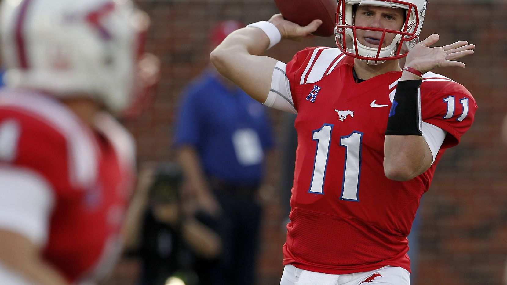 Former Texas Smu Qb Garrett Gilbert Signs With Oakland Raiders