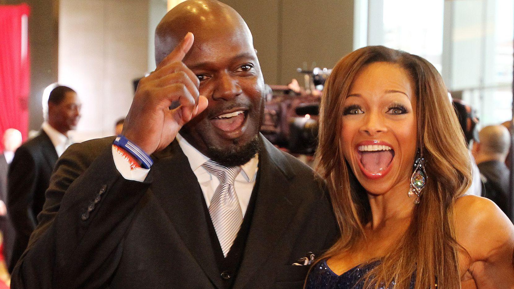 El excorredor de losDallas Cowboys, Emmitt Smith, y su esposa Pat, en un evento social realizado el 10 de mayo de 2013 en el hotel Omni de Dallas.