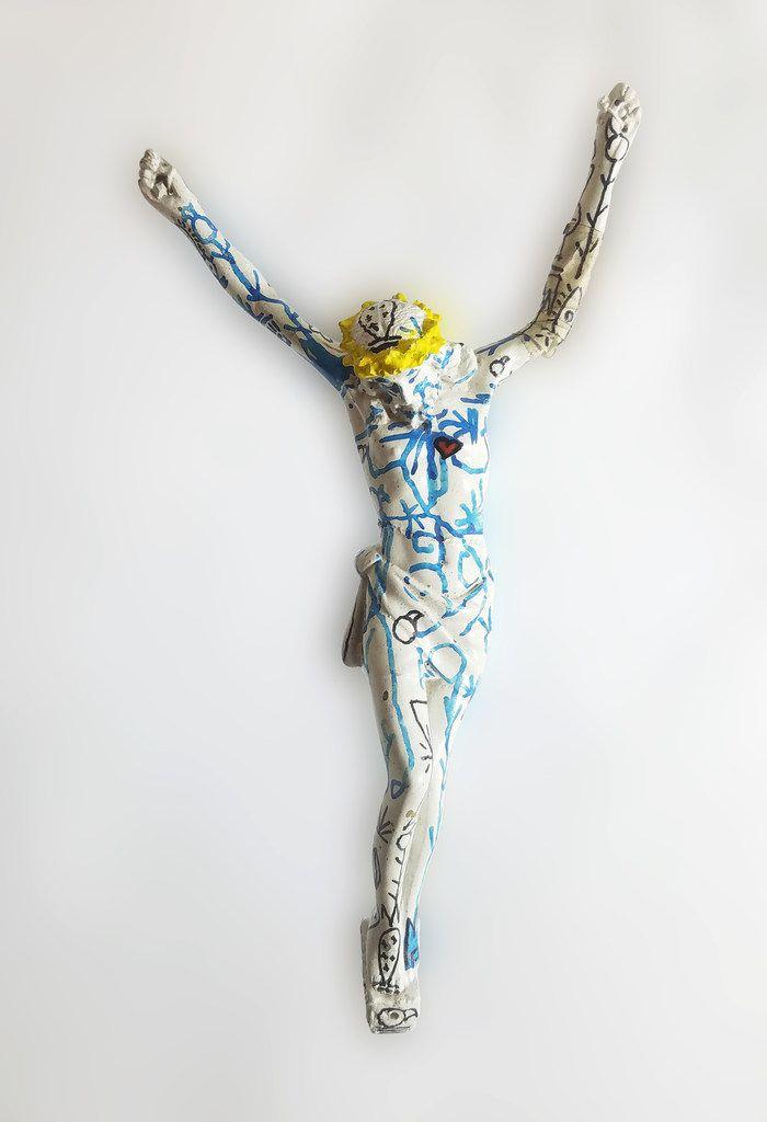 """Alan Méndez """"El Cristo de las letras"""" (2018) marker and tape on resin"""