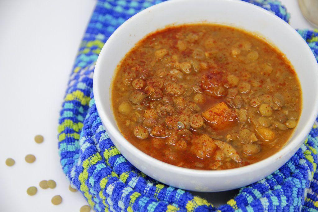 La Sopa griega de lentejas y espinacas con limón se realiza en 55 minutos.