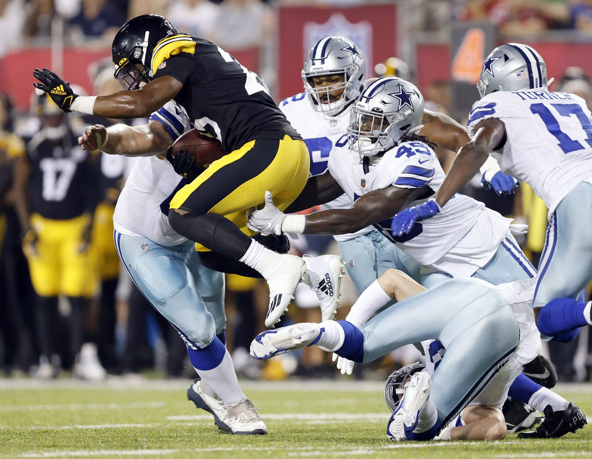 Pittsburgh Steelers safety Antoine Brooks Jr (25) carries the ball after recovering a second quarter fumble of the Dallas Cowboys in their preseason game at Tom Benson Hall of Fame Stadium in Canton, Ohio, Thursday, August 5, 2021. (Tom Fox/The Dallas Morning News)