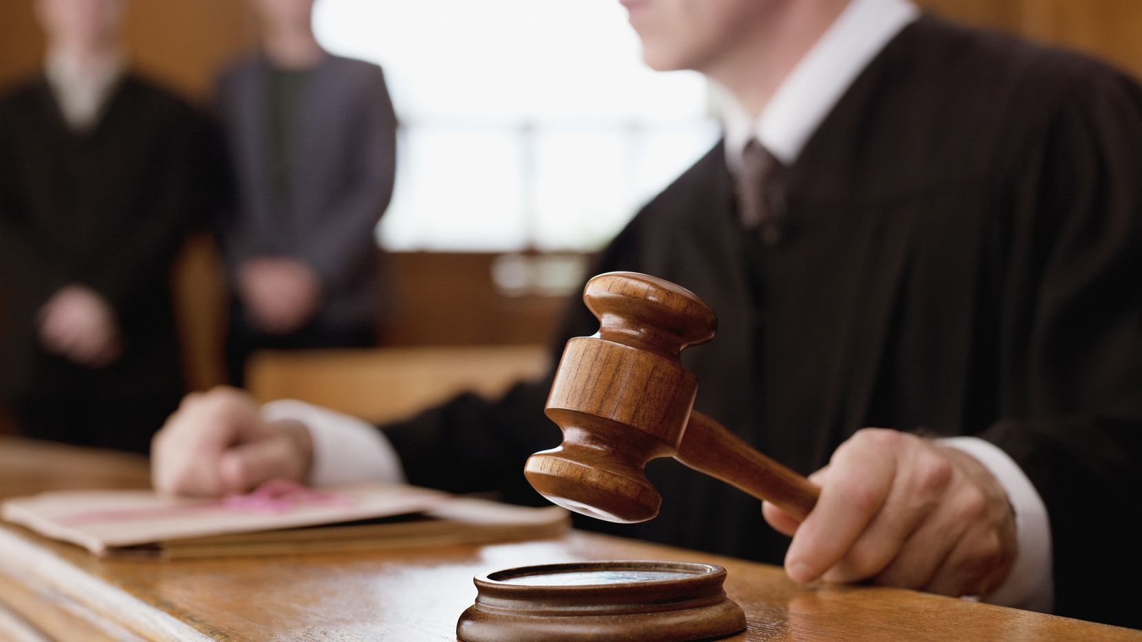 Una corte federal detuvo el incremento de hasta 800% en trámites de apelación de casos de inmigración que había sido anunciado en febrero del 2020.