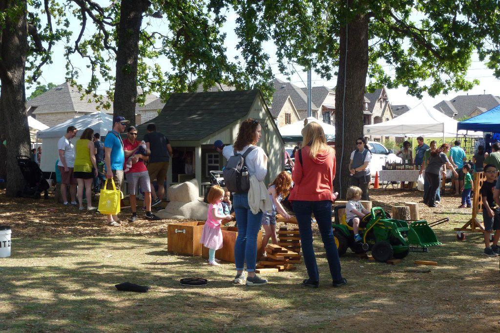 The Farmers Branch Market is very kid-friendly.