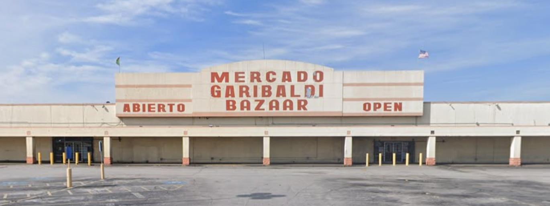 Imagen del exterior del Bazaar Garibaldi de Dallas.
