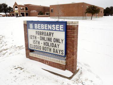 La primaria South Arlington permence cerrada esta semana debido a la tormenta de nieve y los apagones.