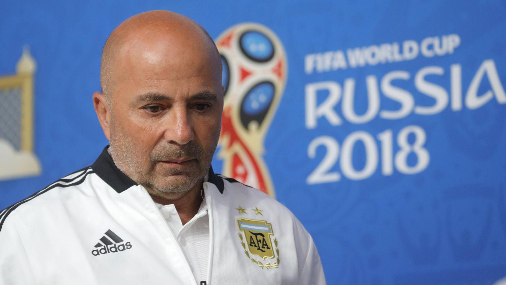 Jorge Sampaoli deja de ser el técnico de Argentina y aparecen cinco nombres de candidatos para reemplazarlo en el cargo. Foto AP
