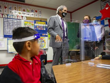 DISD superintendent Michael Hinojosa welcomed students attending in-person classes at Winnetka Elementary School in September. The campus is one of several that did not opt for an extended year in 2021-22. Hinojosa hoped more schools would choose the option to help students make up learning gaps caused by the pandemic.