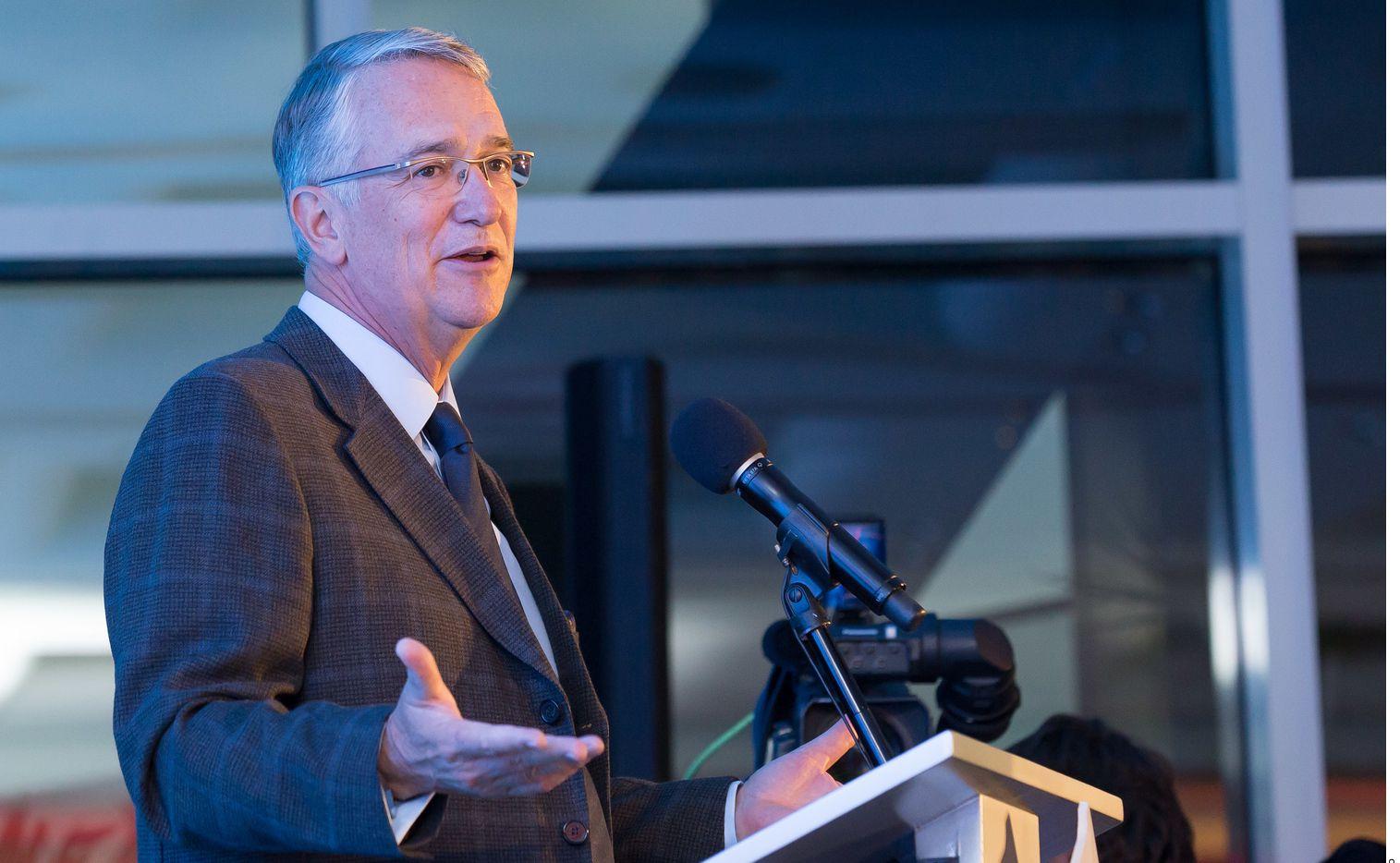 Ricardo Salinas Pliego, presidente de Grupo Salinas en México, dijo varias veces que estaba en contra de las medidas de aislamiento impuestas por los gobiernos por la pandemia de coronavirus.