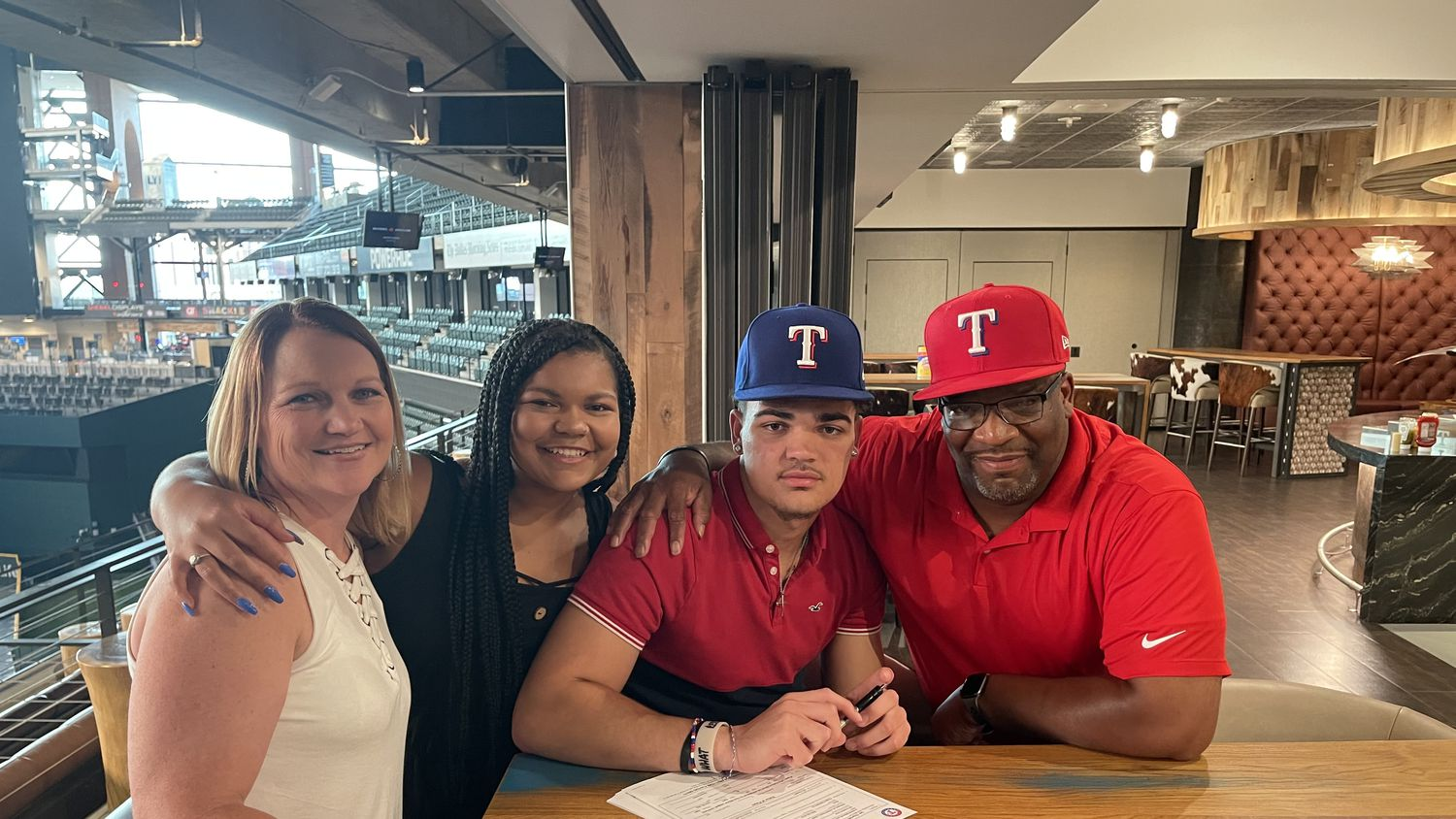 The Texas Rangers drafted Ian Moller in the fourth round of the 2021 MLB draft. From left to right: Mother Shannon Moller, sister Alexis Moller, Ian Moller and father Steven Moller. (Courtesy/Steven Moller)