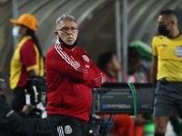 Gerardo Martino enfrenta su primera crisis como técnico de la selección mexicana.