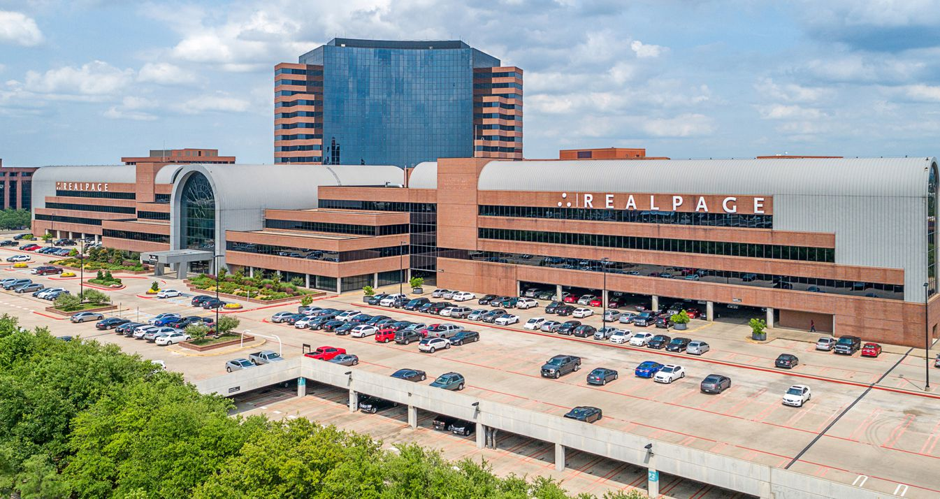 The Lakeside Campus has more than 800,000 square feet of offices.