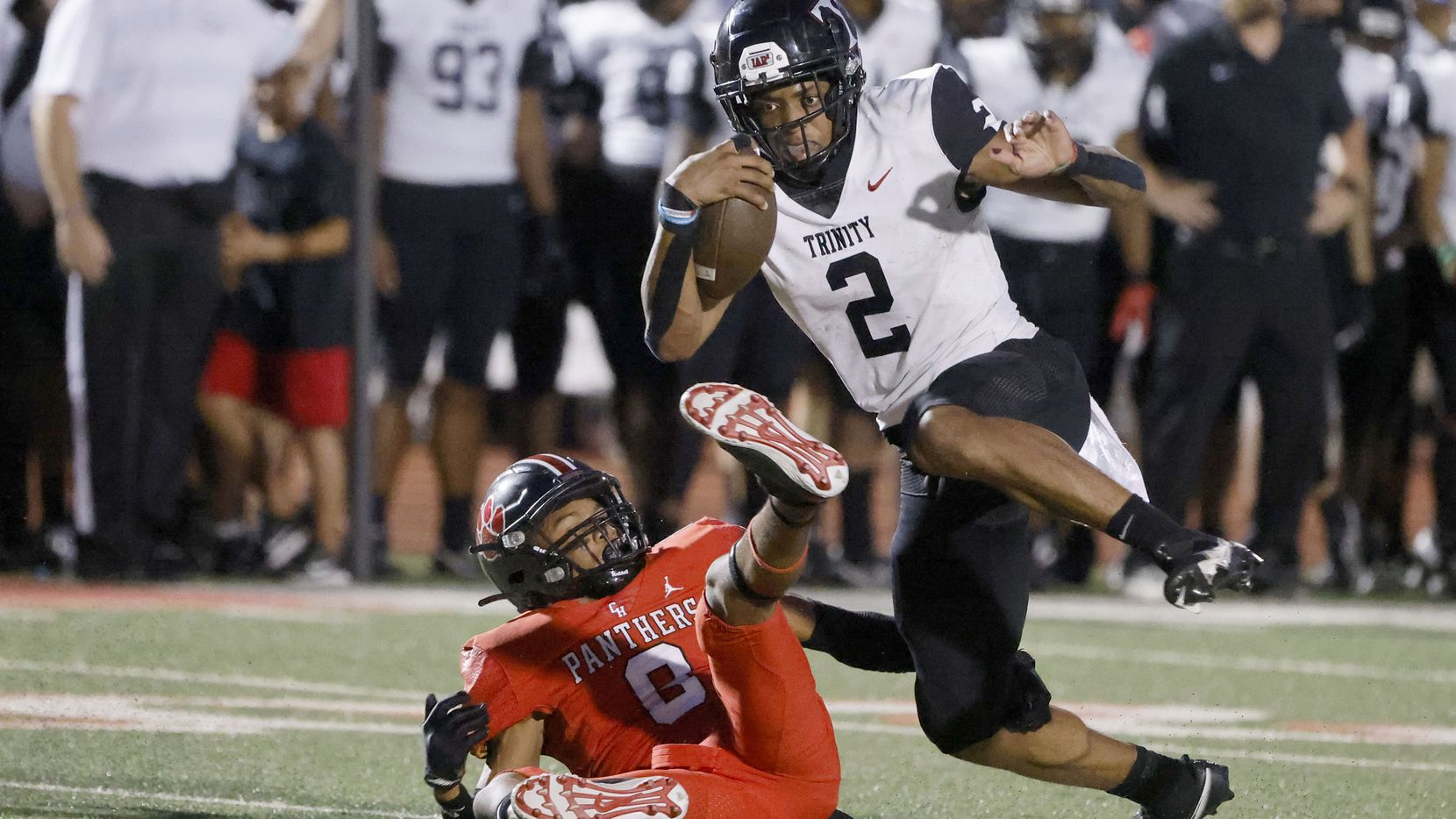 Euless Trinity quarterback Ollie Gordon (2) ran for 201 yards in Euless Trinity's 30-27 win over Colleyville Heritage on Friday. (Michael Ainsworth/Special Contributor)