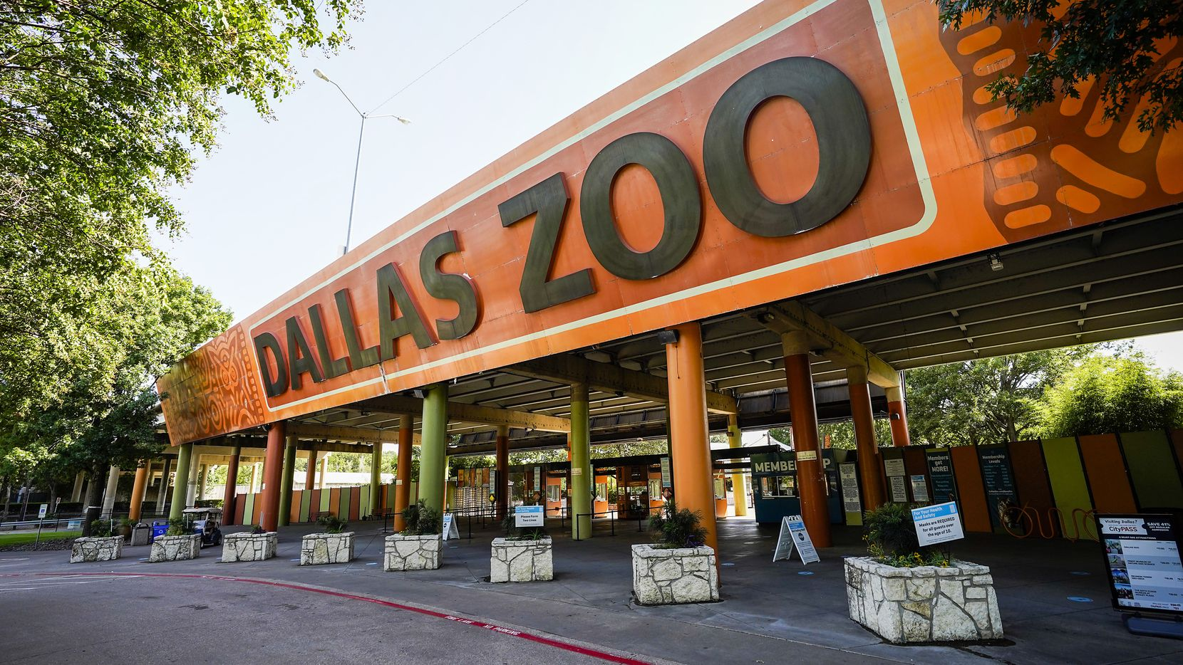 The main entrance to the Dallas Zoo seen on Thursday.