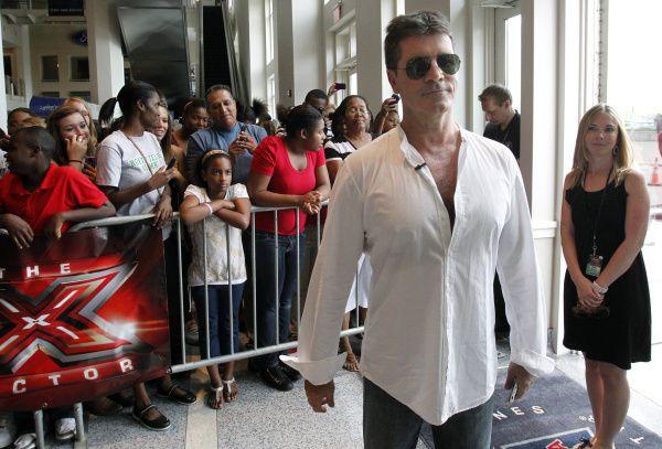 Simon Cowell, creador y juez de The X Factor, cuando el show se grabó en Dallas el 21 de junio de 2011 en el American Airlines Center.