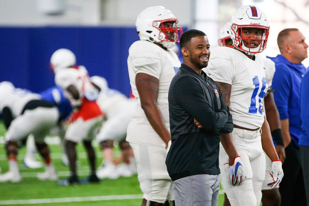 Ra'Shaad Samples helps conduct SMU practice on Wednesday, Nov. 13. (Ryan Michalesko/The Dallas Morning News.)